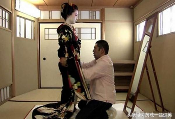 <strong>日本这高收入的「女性神秘职业」,收入高却很少有女孩愿意做,竟隐藏着这些</strong>