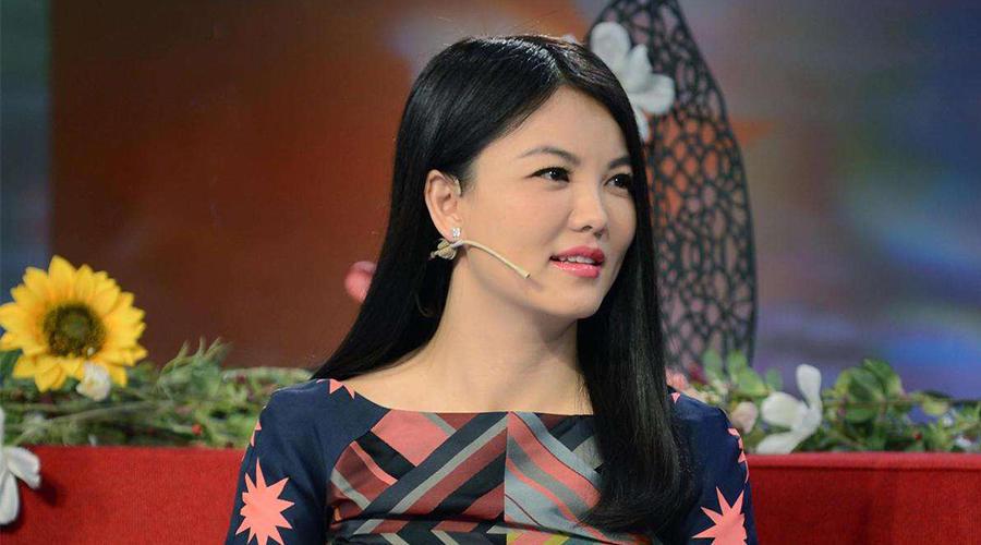 李湘和李念因炫富被网友骂,而真正有钱