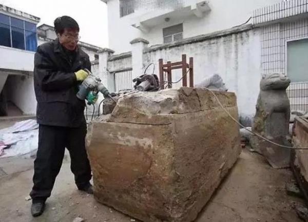 <strong>挖地基「挖到600年前的女人」皮肤光华细緻像刚死一样「超狂防腐技巧」震撼整个考古界!</strong>